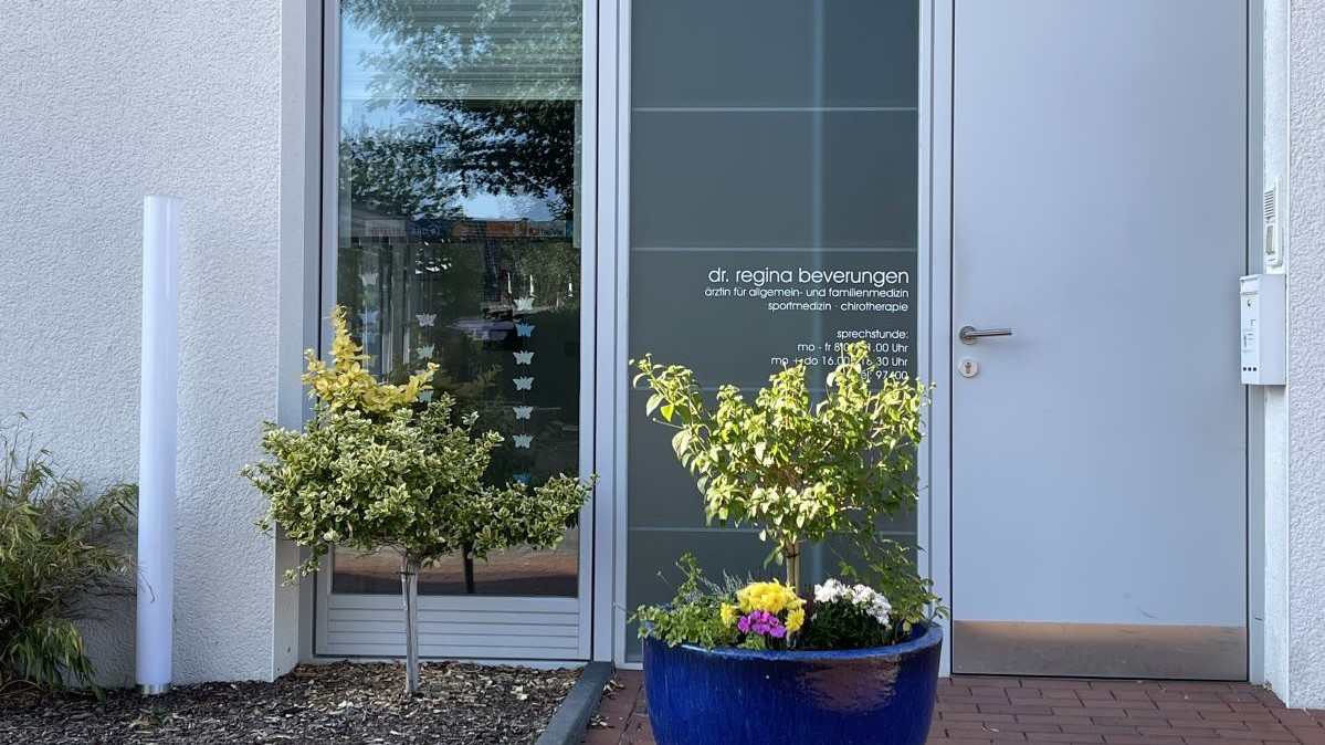 Kontakt Hausarztpraxis Dr. Regina Beverungen in Höxter-Lüchtringen